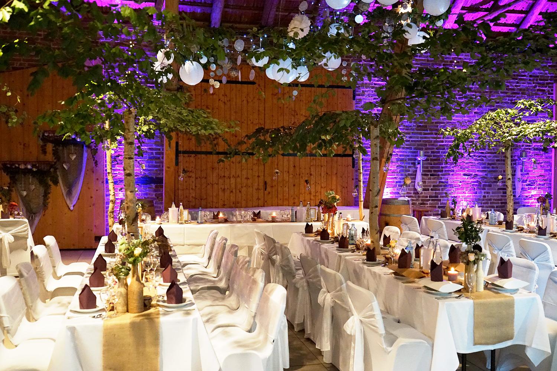 Deckendekoration Hochzeit natur