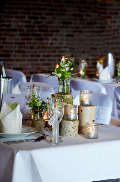 Holzstämme, Birkenstämme Hochzeitsdekoration
