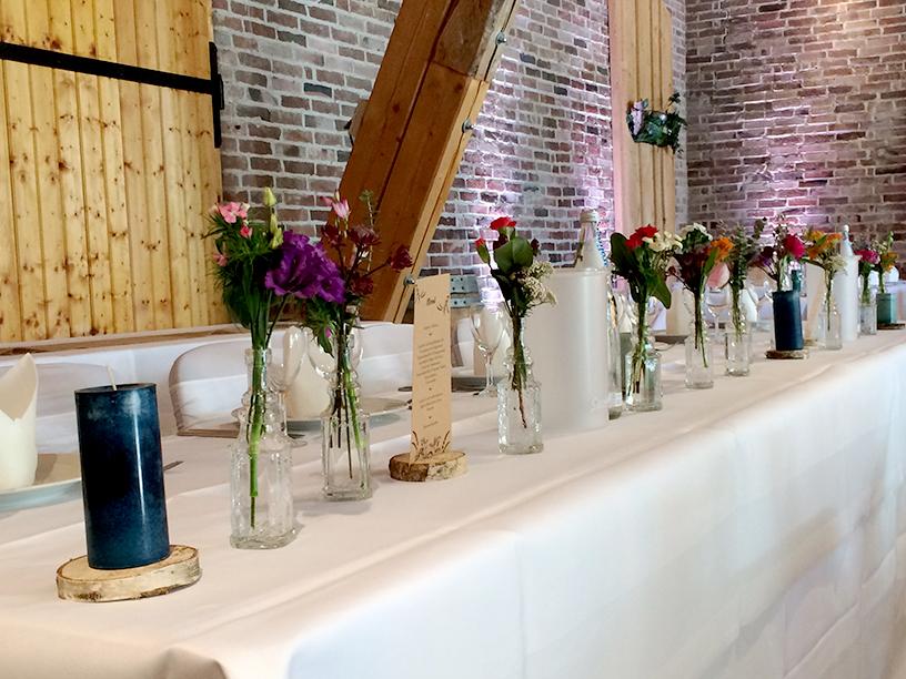 Tischläufer mit Wildblumen